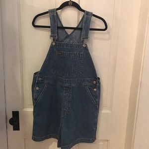 GAP VINTAGE OVERALL SHORTS